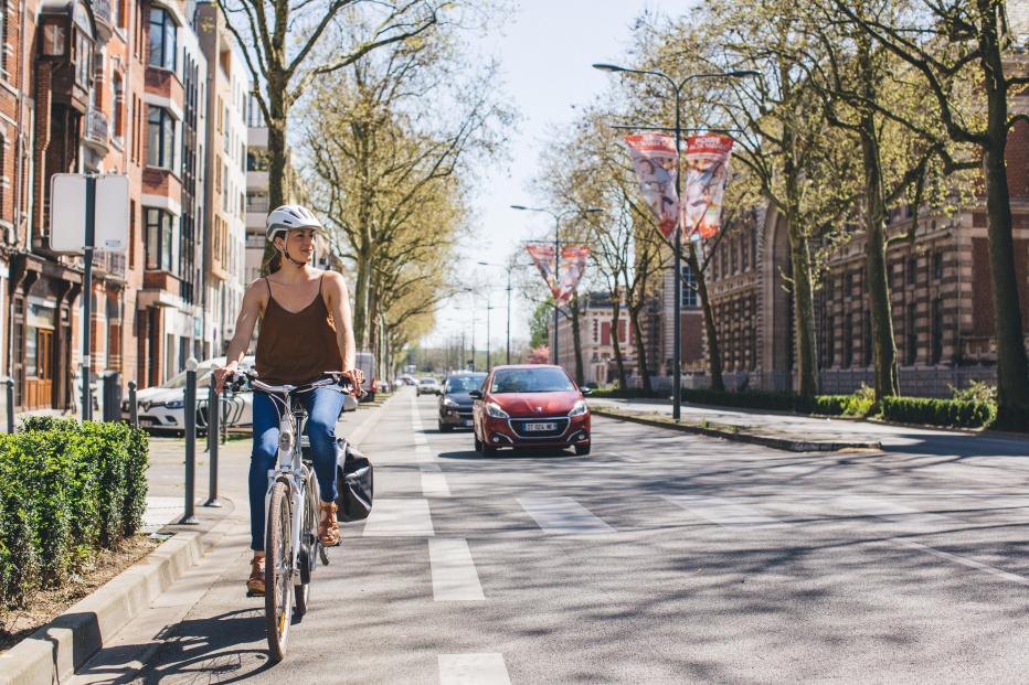 Decathlon confirme des tests avec ARVAL (groupe BNP Paribas), AZFALTE et ZENRIDE pour le déploiement du vélo de fonction