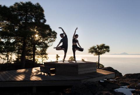 La marque des produits Decathlon Yoga devient Kimjaly